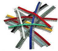 Aderendhülsen mit Kunststoffkragen als Gurtstreifen